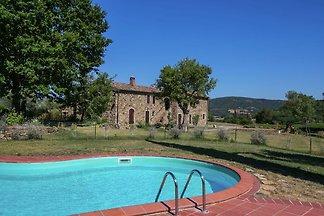Provinz-Ferienhaus mit Pool in Monterotondo,...
