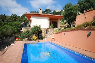 Ruhige Villa mit Swimmingpool in Lloret de...