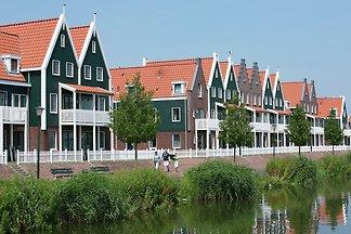 Gemütliches Ferienhaus im Volendam-Stil am...