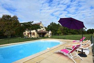 Geräumiges Ferienhaus mit privatem Pool in...