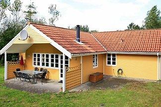 Hübsches Ferienhaus mit Sauna in Oksbøl