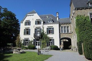 Wunderschönes Schloss mit Garten in Érezée