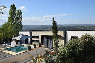Wunderschöne Villa mit Swimmingpool in Les...