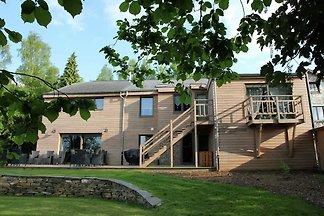 Schönes Ferienhaus mit Jacuzzi und Sauna in...