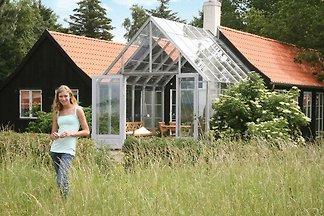 Ruhiges Cottage mit Terrasse in Askeby