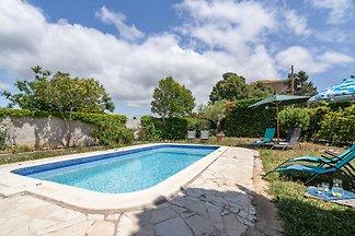 Moderne Villa in Beaufort mit Swimmingpool