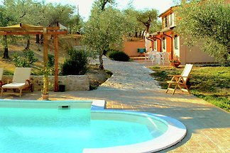 Farmhouse in Giano dell'Umbria with Jacuzzi, ...