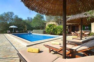 Luxuriöses Landhaus mit privatem Pool in Sine...