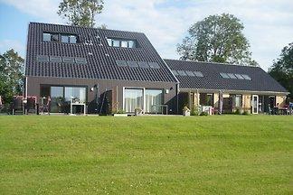 Elegantes Ferienhaus mit Sauna in Langweer