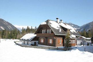 Ruhiges Ferienhaus in Kleblach-Lind mit Sauna