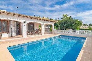 Luxuriöse Villa mit eigenem Swimmingpool in...