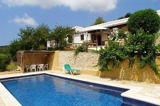 Casa vacanze a St Josep de sa Talaia con pisc...