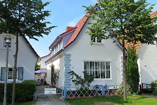 Spacious Apartment in Warnemünde Germany with...