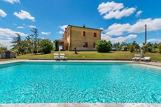 Exotische Villa in Sinalunga mit Schwimmbad