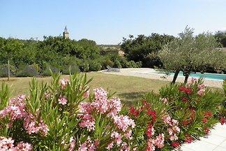 Luxuriöse Villa in Flaux mit Swimmingpool