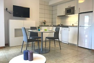 Modern appartement in Roses met uitzicht op d...