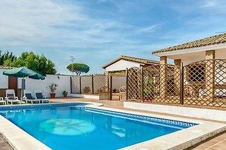Kinderfreundliche Villa mit privatem Pool nah...