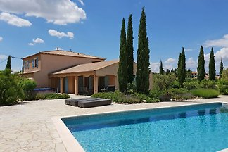 Moderne Villa in Montbrun-des-Corbières mit e...