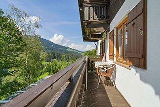 Sonnige Ferienwohnung mit Balkon in Westendor...