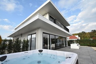 Espléndida Villa en Zeewolde con Jacuzzi