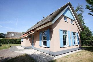 Villa mit Geschirrspüler, auf Texel, Meer 2 k...