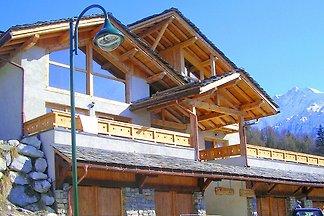 Modernes Chalet in Peisey-Nancroix mit Balkon