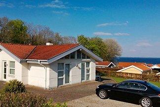 Modernes Ferienhaus in Sjølund mit Sauna