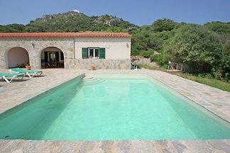 Uriges Herrenhaus mit eigenem Pool in Es...