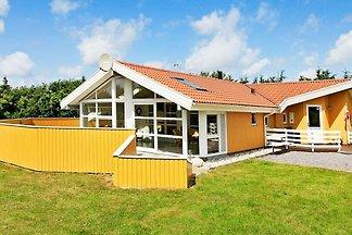Wunderschönes Ferienhaus in Vejers Strand mit...
