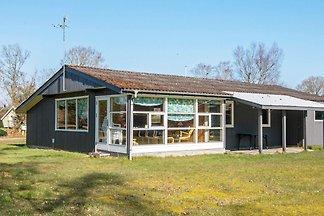 Traditionelles Cottage mit Spielplatz in...