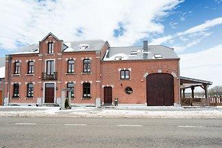 Schönes Ferienhaus in Cul-des-Sarts mit...