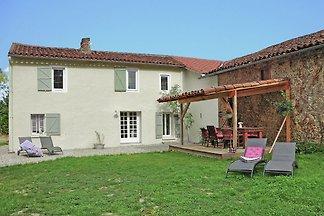 Wunderschöne Villa mit Schwimmbad in Artigat
