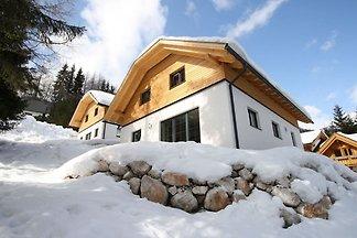 Wolnostojący nowo wybudowany domek (2013).