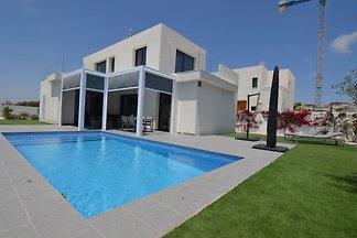 Moderne Villa in San Fulgencio, Valencia mit ...