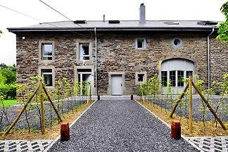 Charmantes Ferienhaus mit großem Garten in...