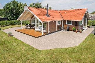 Modernes Ferienhaus mit Sauna in Bjert