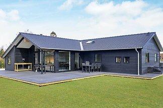 Exquisites Ferienhaus in Seeland mit Sauna