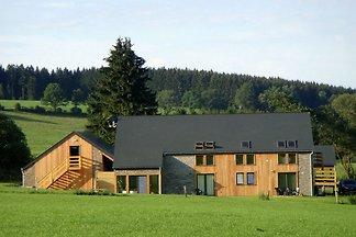 Beautiful villa with heated outdoor pool, sau...