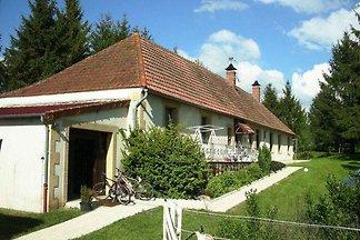 Gemütliches Ferienhaus in Vieure mit großem...