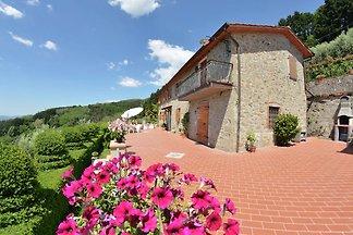 Incantevole cottage a Petrognano con piscina