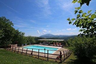Bauernhaus in Apecchio mit Schwimmbad, Patio,...