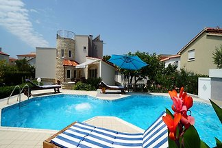 Piękna willa z prywatnym basenem, pięknym ogr...