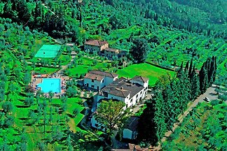 A unique holiday in the heart of the Tuscan C...