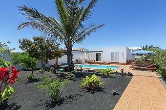 Geräumige Villa in Playa Blanca mit...