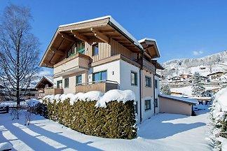 Einladendes Appartement in Skigebietnähe in...