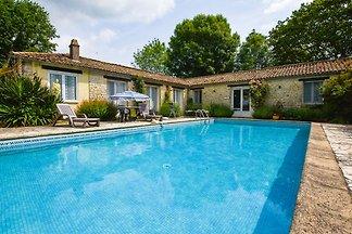 Gemütliches Ferienhaus in Souvigné mit privat...
