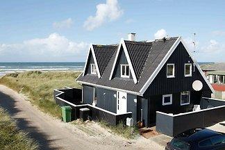 Luxuriöses Ferienhaus in Blokhus mit...