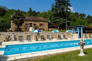 Schönes Ferienhaus mit privatem Pool in...