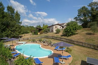 Lovely Farmhouse in Aulla with Swimming Pool