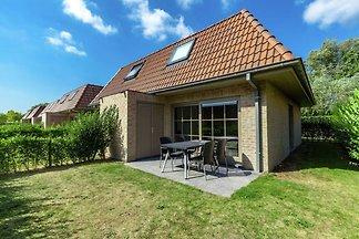 Schönes Ferienhaus in Adinkerke mit eingezäun...
